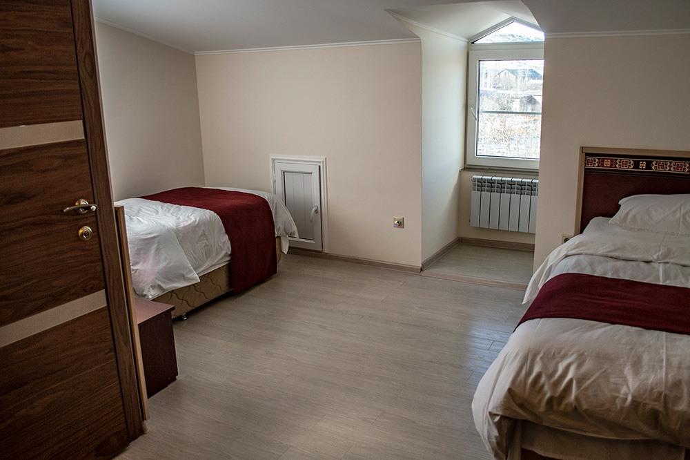 Room: Eva